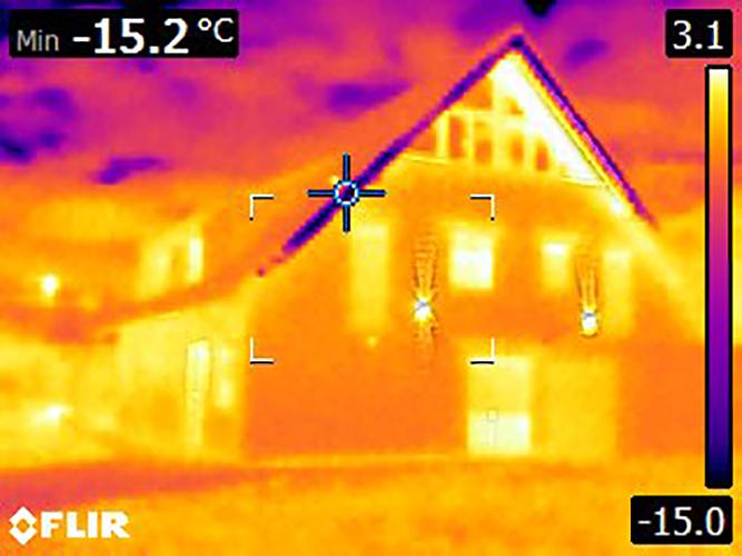 Wärmebild Außenansicht Wohnhaus