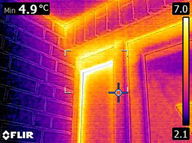 Warmebild Hauseingangstür